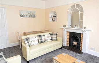 Lounge, Babbacombe Apartments, 2 Mount Temple, Torquay, Devo