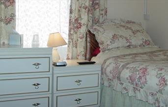 Single bedroom, Haute Epine Guest House, 36 Bampfylde Road, Torquay, Devon