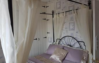Four Poster Bed, Three Sisters Cottage, 44 Coombe Lane, Torquay, Devon