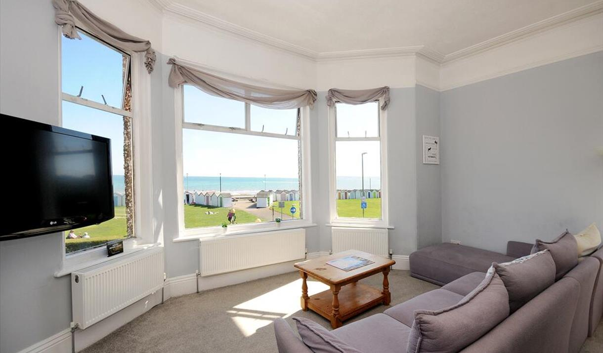 Lounge with sea view, Wavecrest, 29a Marine Parade, Preston, Paignton, Devon