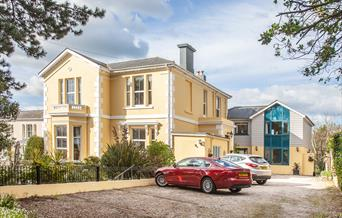 FREE level-parking for all guest rooms at Court Prior, Torquay, Devon