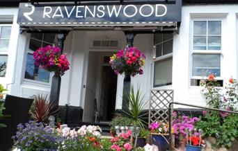 Entrance, Ravenswood B&B, Torquay, Devon