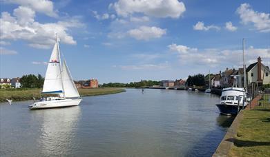 Sailing boat at Rowhedge