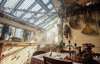 The Voodoo Kitchen   Kitchen extension 1950s maid's kitchen in New Orleans