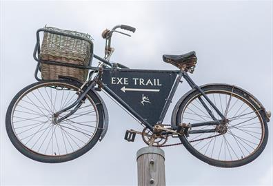 Picture of a bike, which shows the cycle trail at Darts Farm