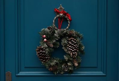 Exetercation: Create your own festive wreath