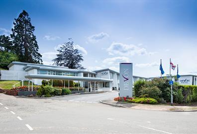 Devon Hotel exterior