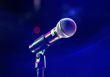 Microphone in a microphone stand