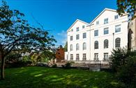 The front of the building. Exeter Self Catering, Exeter Serviced Apartments,