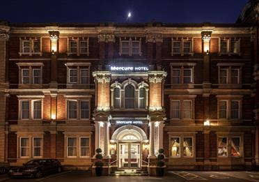 Mercure Exeter Rougemont External in Evening