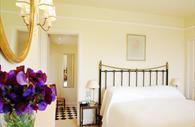 Larkbeare ensuite bedroom