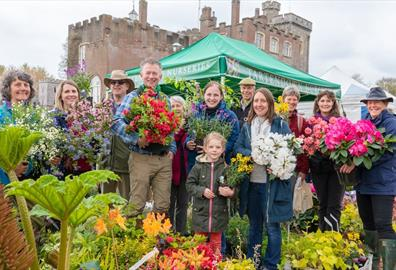 Toby's Garden Festival: people with flowers
