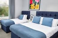 Townhouse Exeter - double bed and single bed