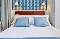 Double bed at Townhouse Exeter