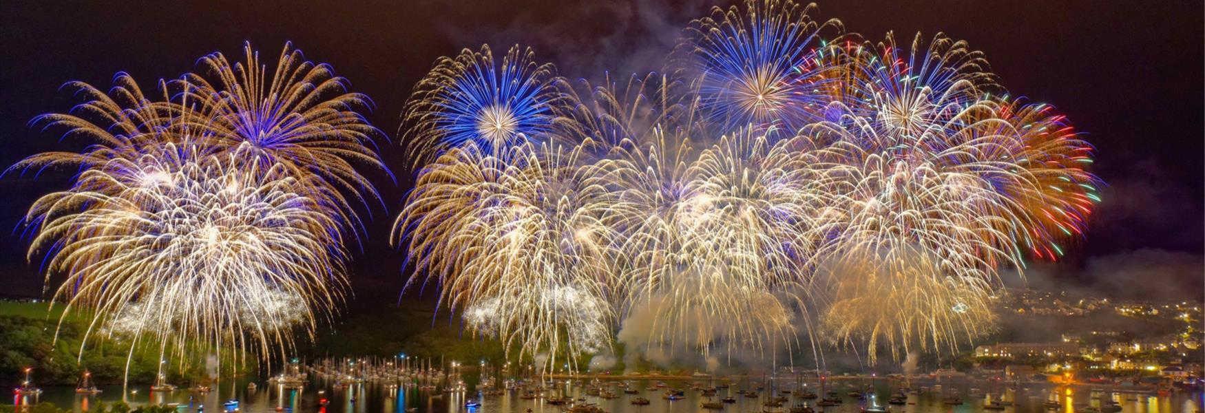 Regatta Fireworks - (c) richlawnphoto.com