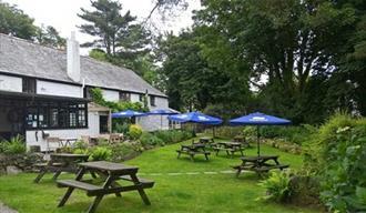 Cosy Cornish Inn