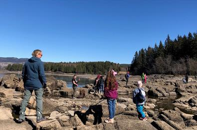 Easy hike to the stone carvings and Steinsholmen