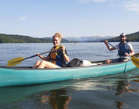 Canoe hire (1 hour) on Windermere with Graythwaite Adventure