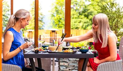 Mizu Pan-Asian Restaurant Lodore Falls Hotel & Spa