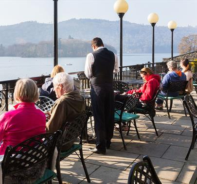 Old England Hotel & Spa - Relaxing Drinks on the Terrace