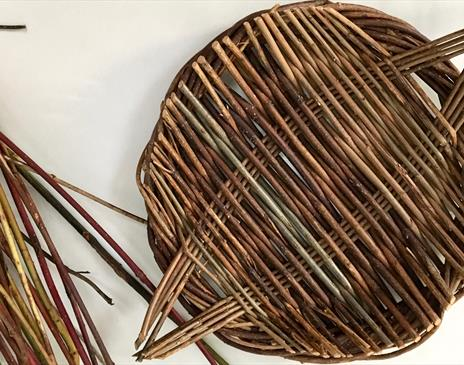 Willow Platter workshop at Cowshed Creative