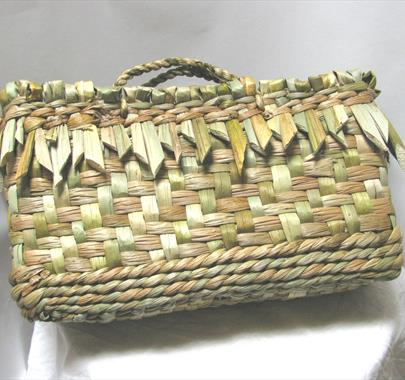 Weave yourself a Rush Bag with Rachel Frost