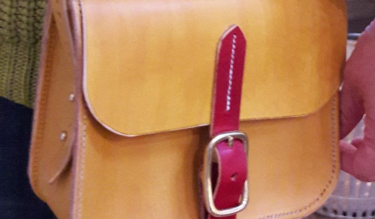Hand Stitched Leather Bag in a Day with Ruth Pullan at Quirky Workshops