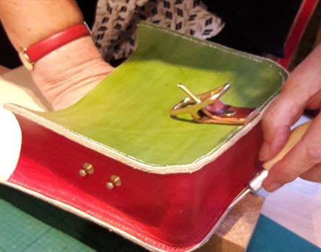Make a Hand Stitiched Leather Bag in a Day  with Ruth Pullan