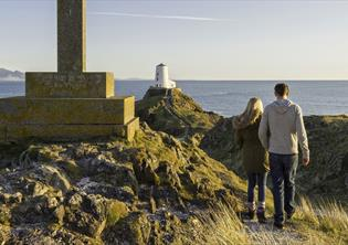 Thousands of Trails | Explore burial chambers on a windswept Anglesey headland in the morning, you can be trekking into spectacular glacial cwms (valleys) by the afternoon.