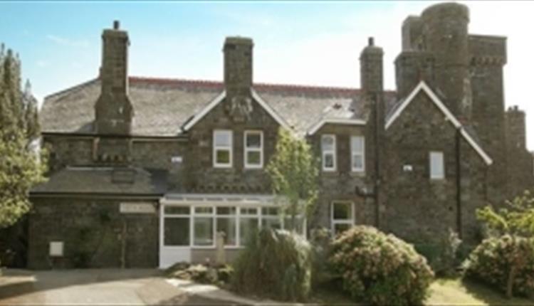 Penbryn Mynach Holiday Cottage