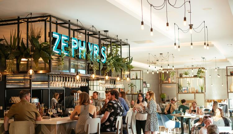 Zephyr's Bar and Grill