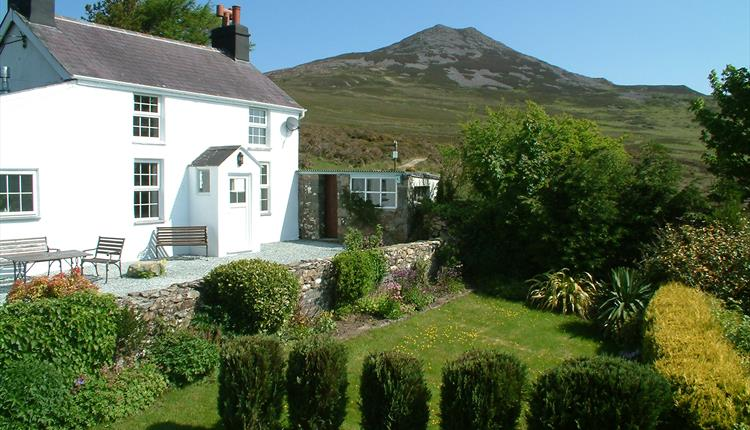 Gors-lwyd Cottage