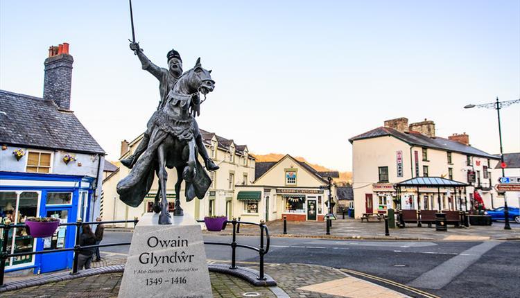 Owain Glyndwr Statue