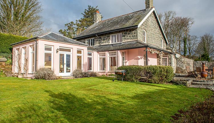 photo of Eisteddfa country house sleeping 10 guests near Criccieth