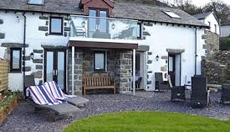 Cae Cyd Holiday Cottage