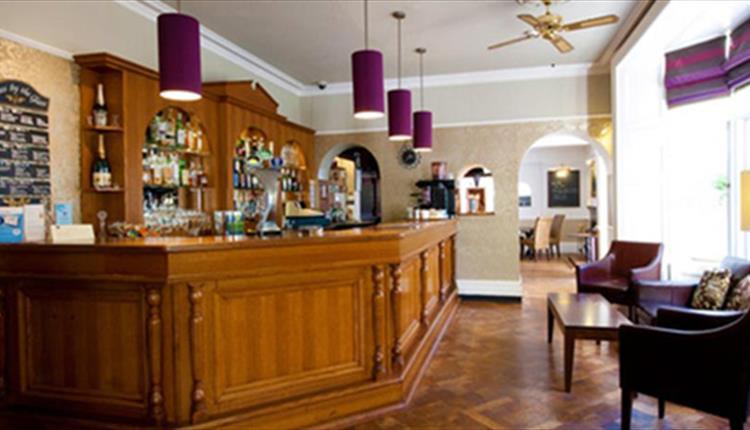 Lanes Restaurant and Bar