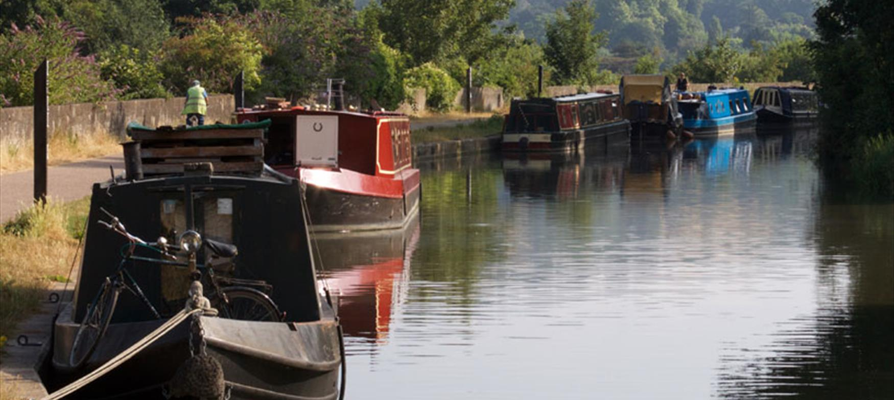 Narrowboats next to the towpath