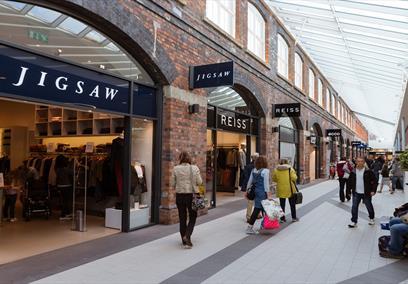 McArthurGlen Designer Shopping Outlet
