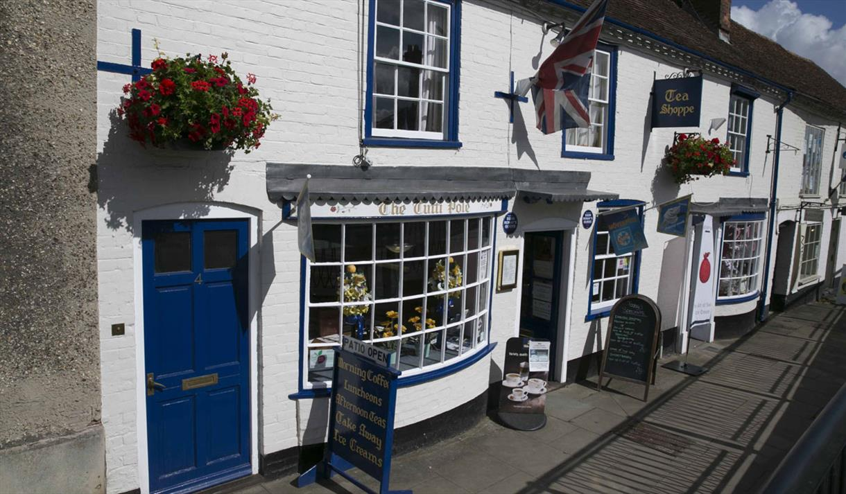 The Tutti Pole, Hungerford