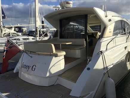 Jeanneau Prestige 42S - Beds on Board