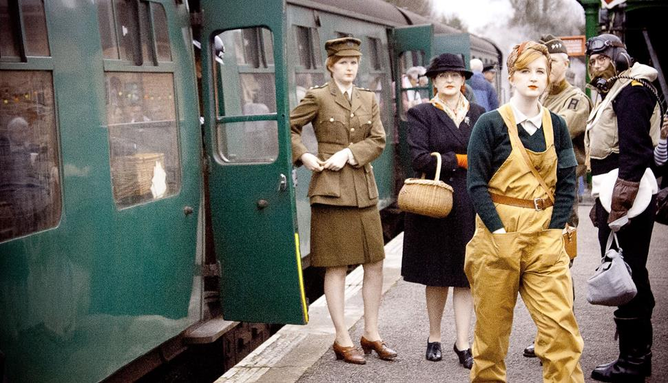 Christmas Leave on the Watercress Line