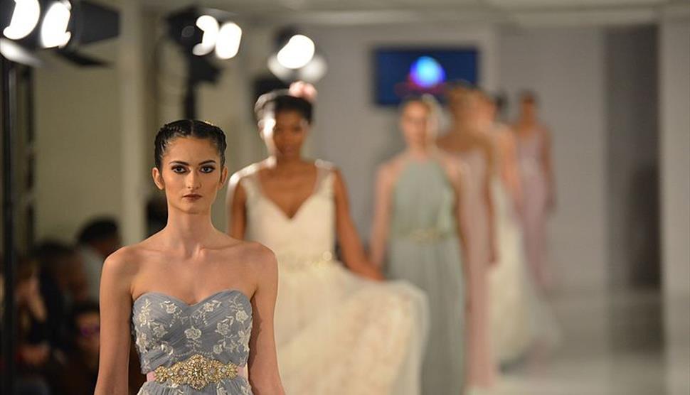 Wedding Fashion Show at the Balmer Lawn Hotel