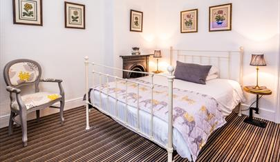 Four Seasons B&B in Hythe