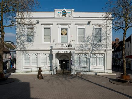 Willis Museum & Sainsbury Gallery