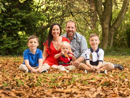 Seasonal Family Photoshoot at Sir Harold Hillier Gardens