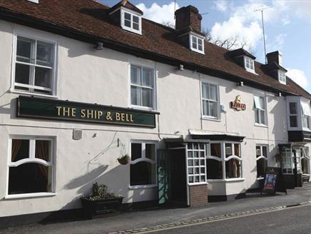 The Ship & Bell Hotel