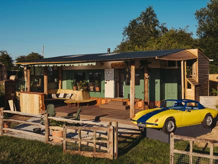 The Horse Hut and Lotus Spa - A Little Place In The Country