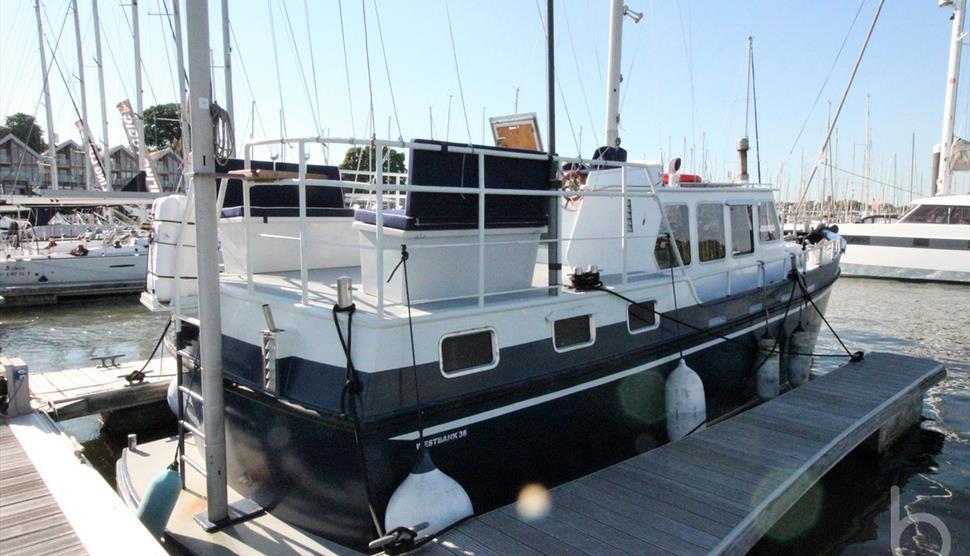 Motor Yacht - Condor in Hamble