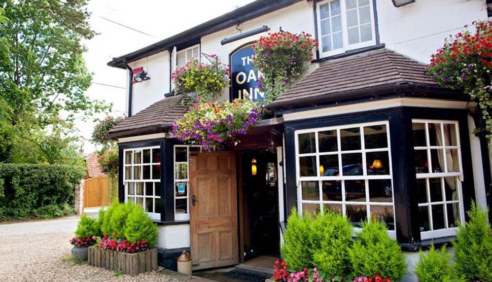 Oak Inn Lyndhust