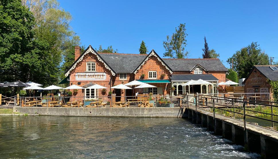 The Mayfly Pub in the Test Valley